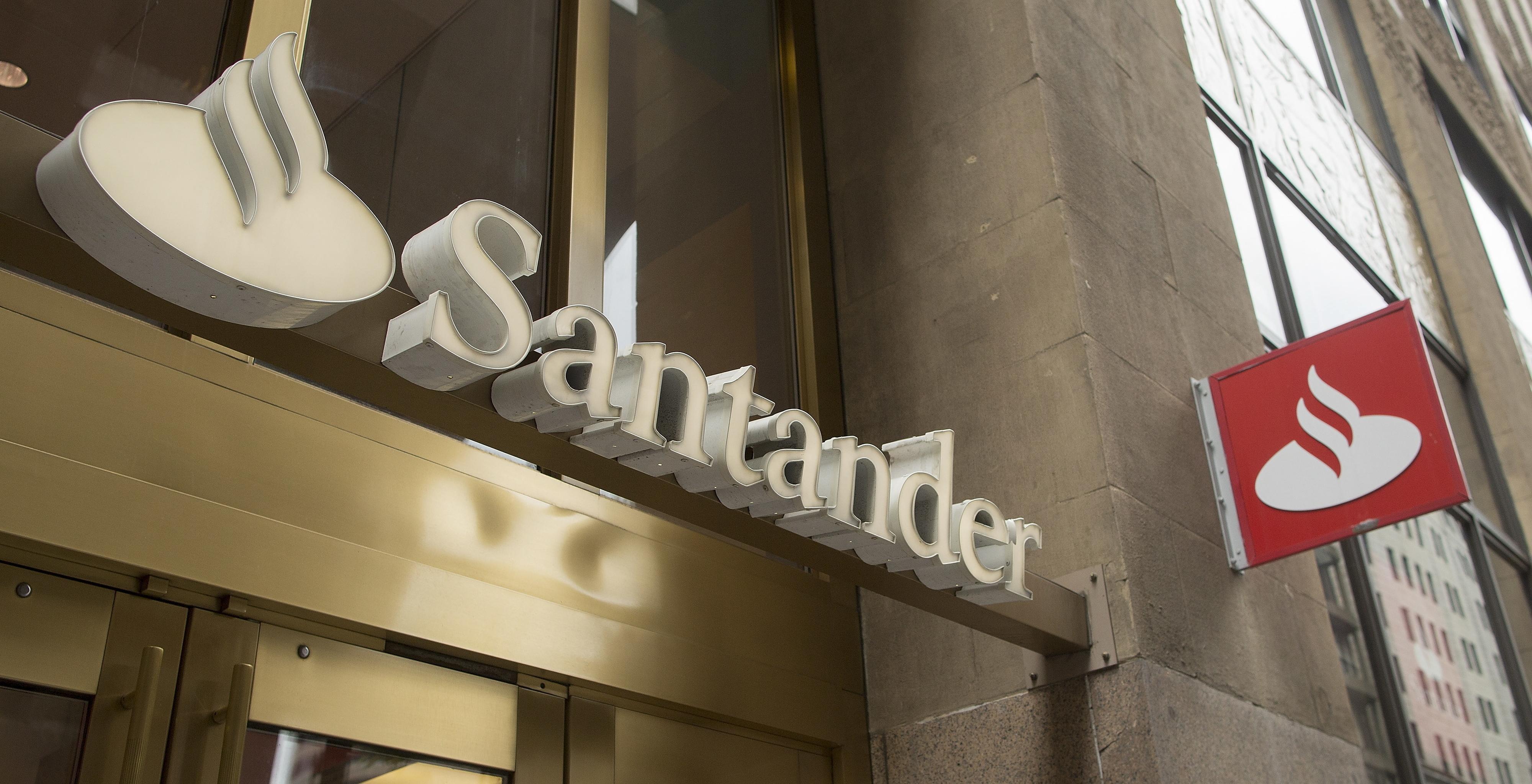Banco Santander vai dispensar 3.200 trabalhadores em Espanha