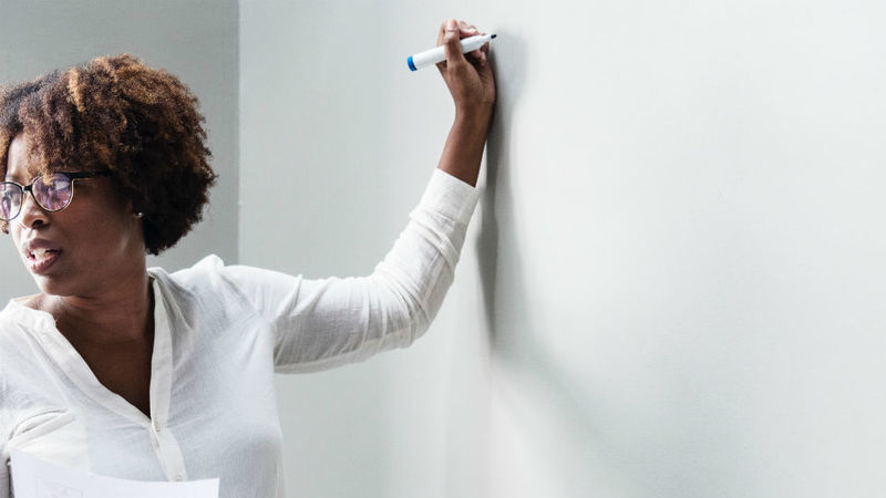 Portugueses entre os professores que mais ganham no ensino básico na OCDE