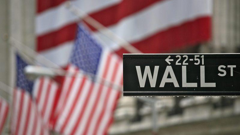 Banca põe Wall Street em máximos de um mês
