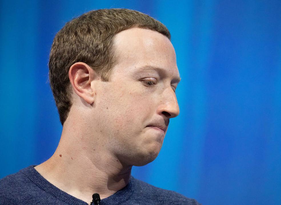 Zuckerberg perdeu mais dinheiro este ano do que qualquer um dos 500 mais ricos do mundo