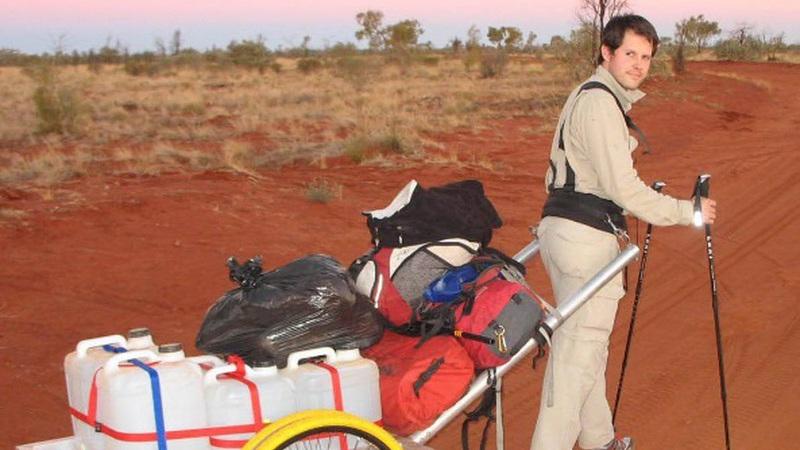 """Foi considerado o viajante """"aventureiro"""" do ano depois de ter atravessado três desertos extremos"""
