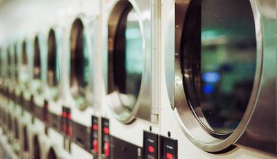 Os erros mais comuns na hora de lavar a roupa