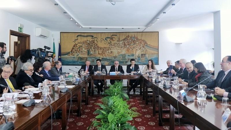 Governo leva à concertação social proposta de 635 euros para salário mínimo em 2020