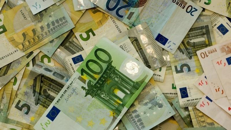 Inflação e produtividade levariam salário mínimo a 1.137 euros