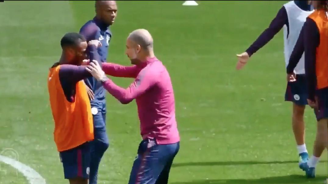 As dicas que Guardiola deu ajudaram Sterling a resolver o jogo contra o Feyenoord