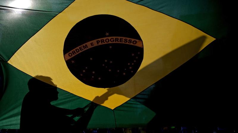 Eleições no Brasil: último ministro dos Negócios-Estrangeiros do Estado Novo vota Bolsonaro, mas recusa comparações com Salazar
