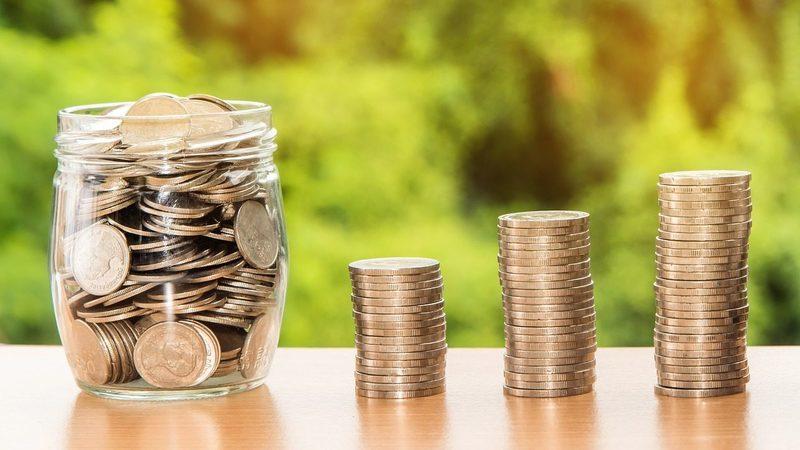 Fortuna dos mais ricos do mundo aumentou em 2,5 mil milhões de dólares por dia