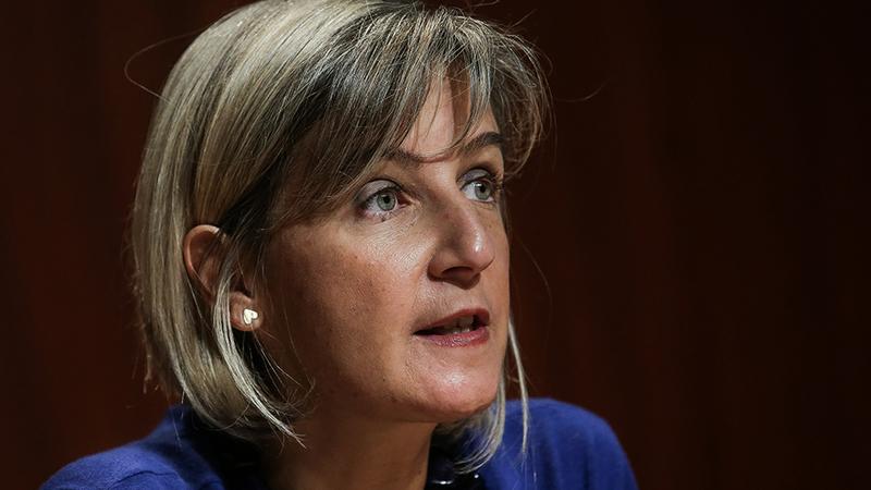 """Hospitais vão ter """"autonomia total"""" para contratar, afirma ministra da Saúde"""