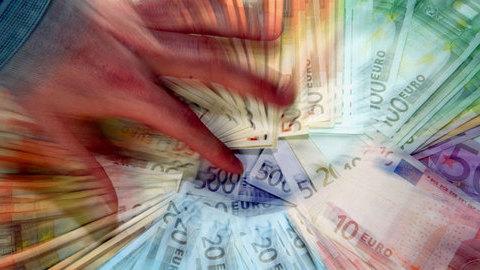 Carga fiscal bate novo recorde em 2015: 34,4% do PIB
