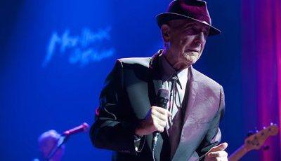 """""""I'm Your Man: A vida de Leonard Cohen"""" chega hoje às livrarias portuguesas"""