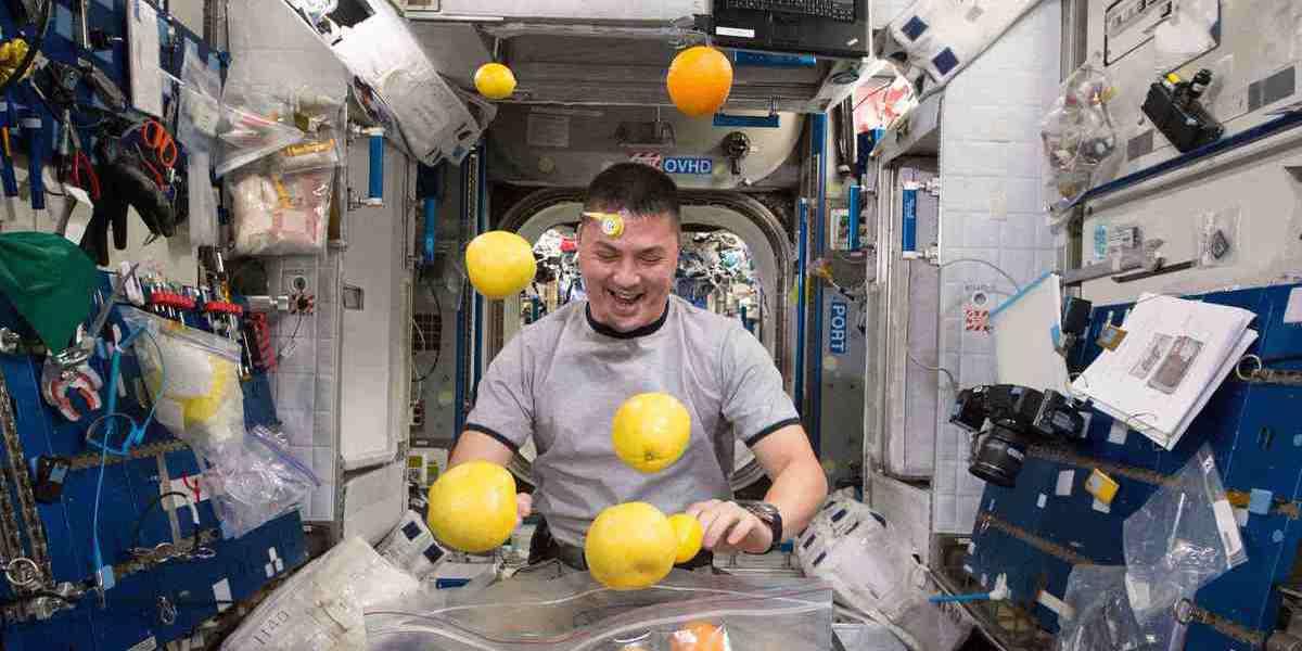 A Estação Espacial não tem frigorífico. E por isso a alimentação tem de ser criativa