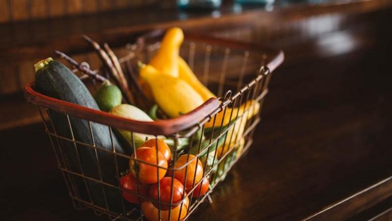 O isolamento ainda vai durar. Manual online traz dicas para kit alimentar de 14 dias