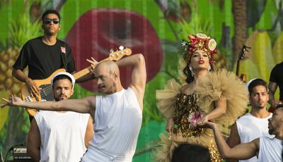 """""""Fora de moda é ser homofóbico"""": artistas brasileiros juntam-se em campanha nas redes sociais"""