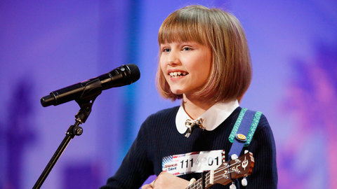 """America's Got Talent"": ""Taylor Swift de 12 anos"" conquista redes sociais"