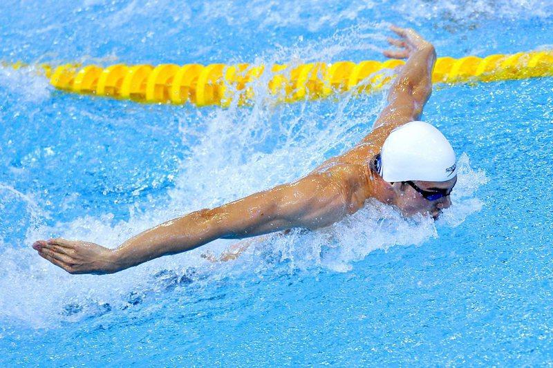 Recordista mundial dos 50 metros mariposa abandona as competições