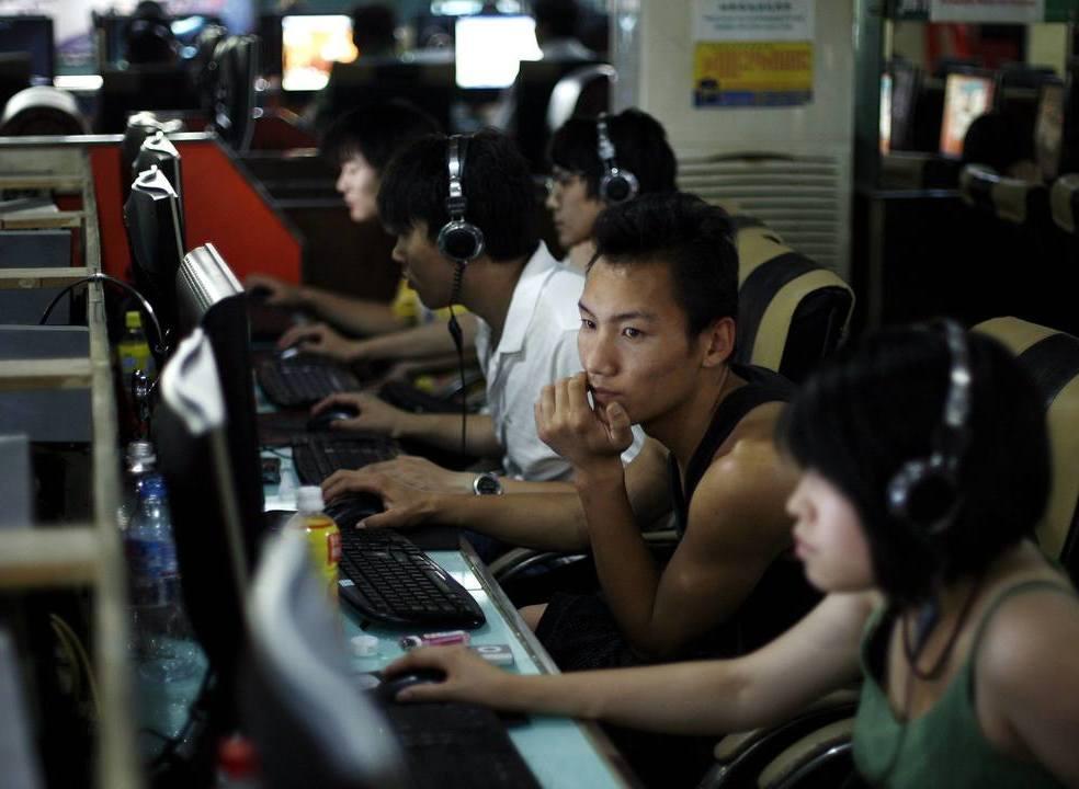 China proíbe videojogos que exibam sangue e todos os jogos de azar