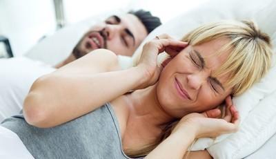 Resolva incompatibilidades de sono do casal