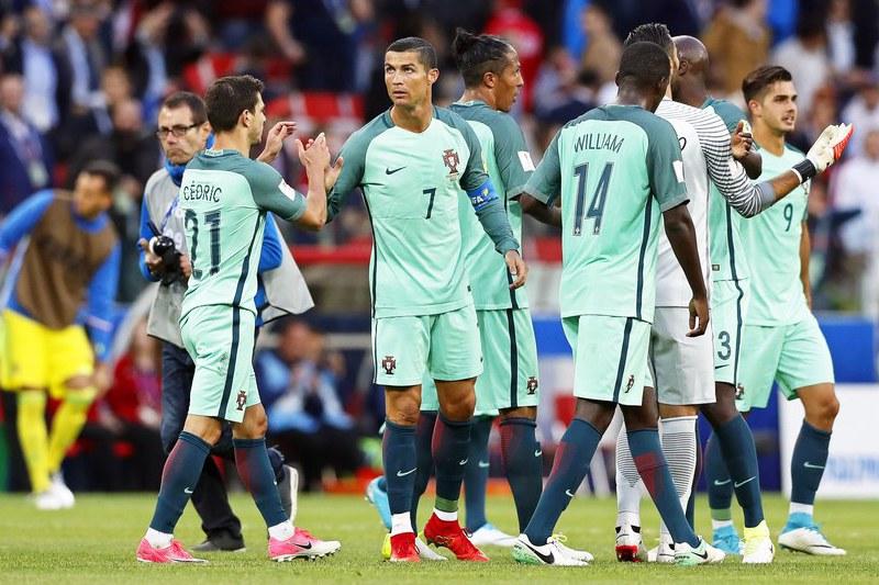 Com quatro mudanças na equipa, Portugal subiu o nível e está quase nas 'meias'