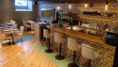 O Stairwell Wine Bar & Creative Food é um casamento feliz entre vinhos e comida