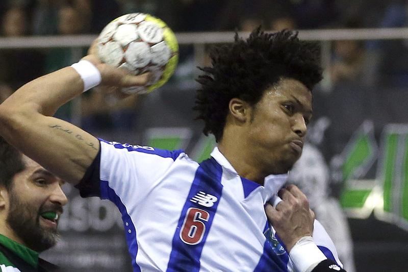 FC Porto vence São Mamede e reforça liderança