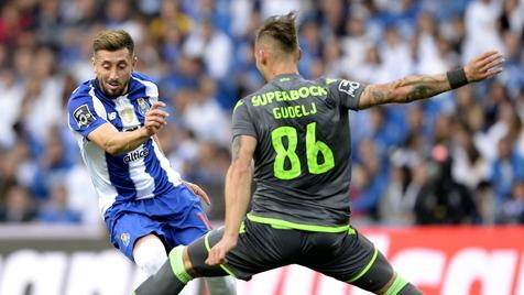 O futebol é um jogo de onze contra dez e no final perde o Sporting
