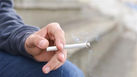 Sabia que é possível 'programar' o seu cérebro para deixar de fumar?