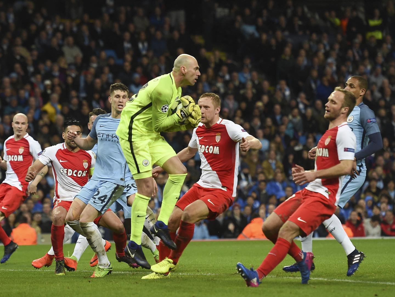 Manchester City vence Mónaco, de Jardim, em jogo de 'loucos'