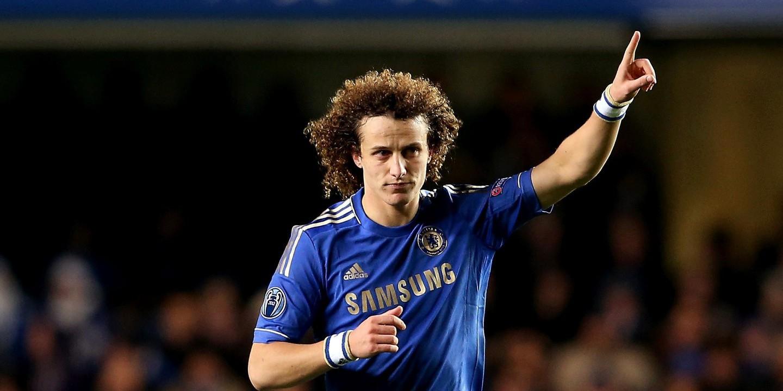 De costas voltadas com Conte, David Luiz pode acabar... no United