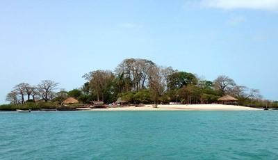 As ilhas de águas claras que são um viveiro de serpentes e onde não há antídoto para o veneno