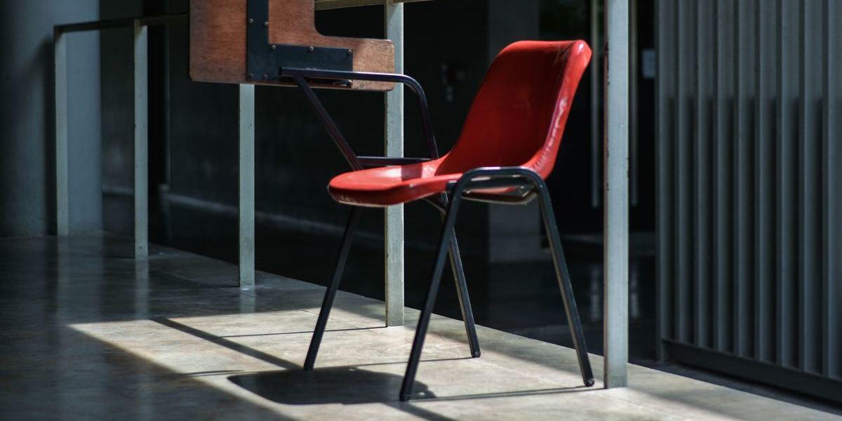 Sabe quais são os riscos de passar demasiado tempo sentado?
