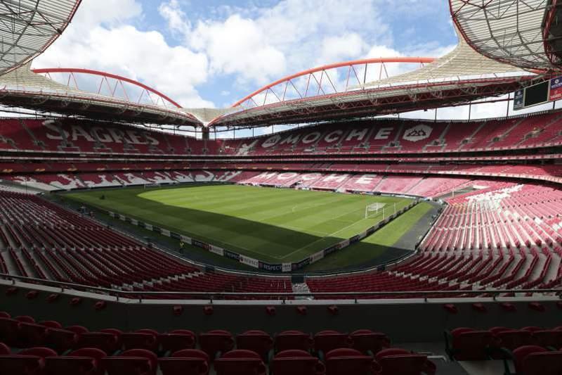 """Benfica espera proposta de """"largos milhões"""" pelo """"naming"""" do estádio"""
