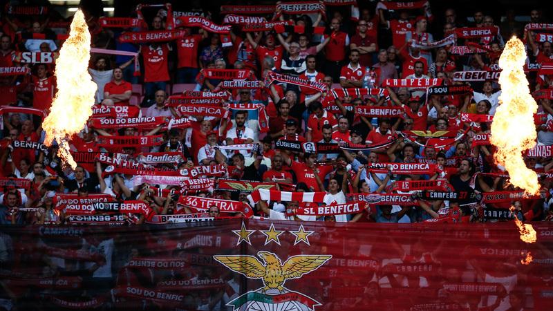 Benfica 0-0 Famalicão: Benfica pressiona mas Famalicão está bem no jogo
