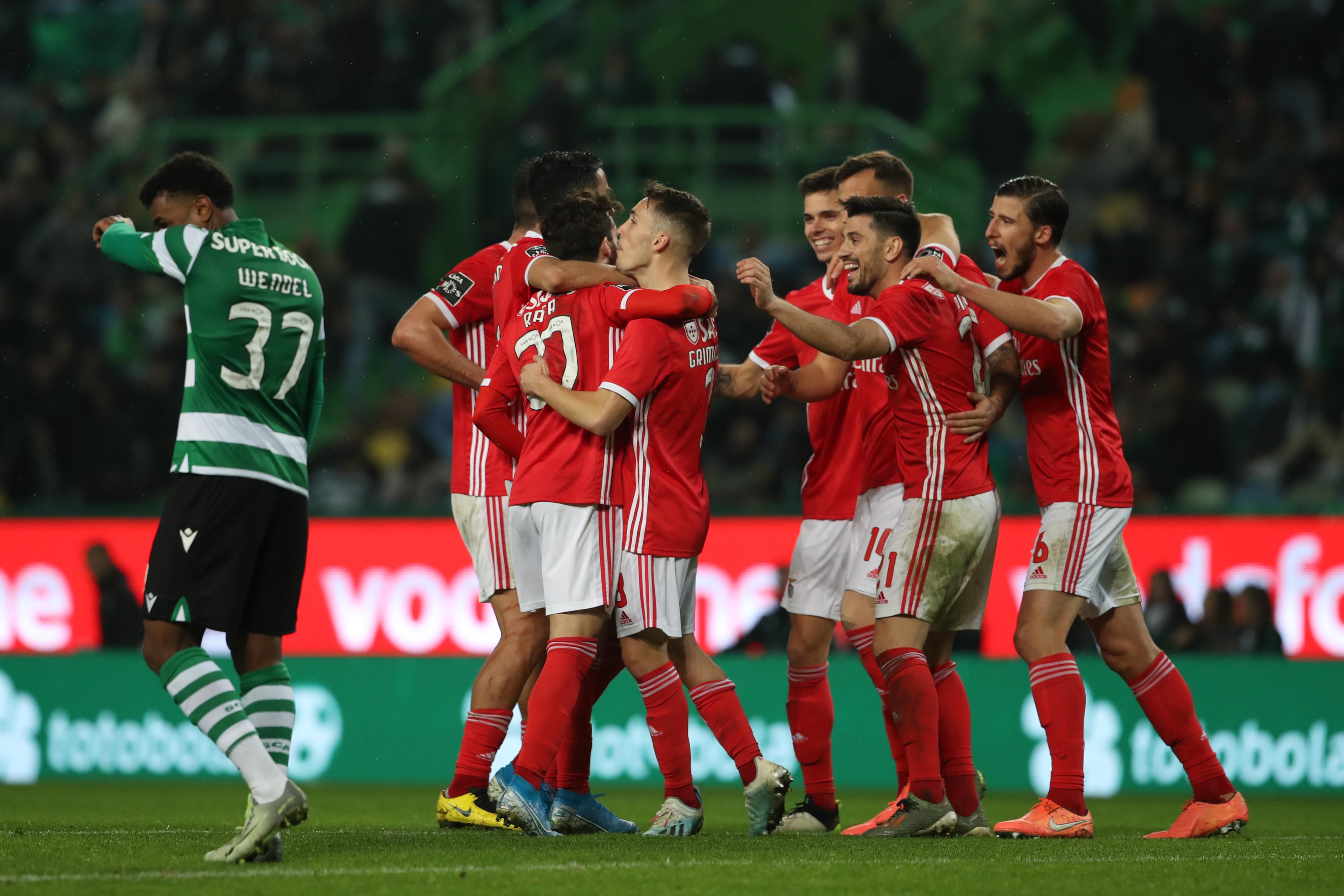 O resumo de uma 'sexta-feira gorda' que deixou o Benfica mais primeiro