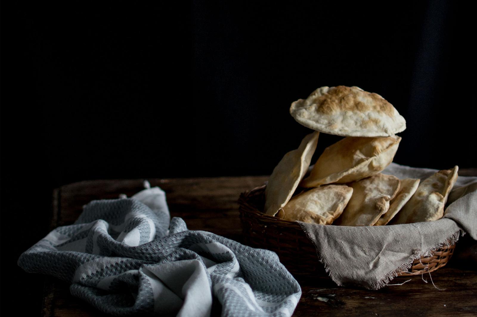 Pães ázimos (sem fermento, sem forno e sem tempo! )