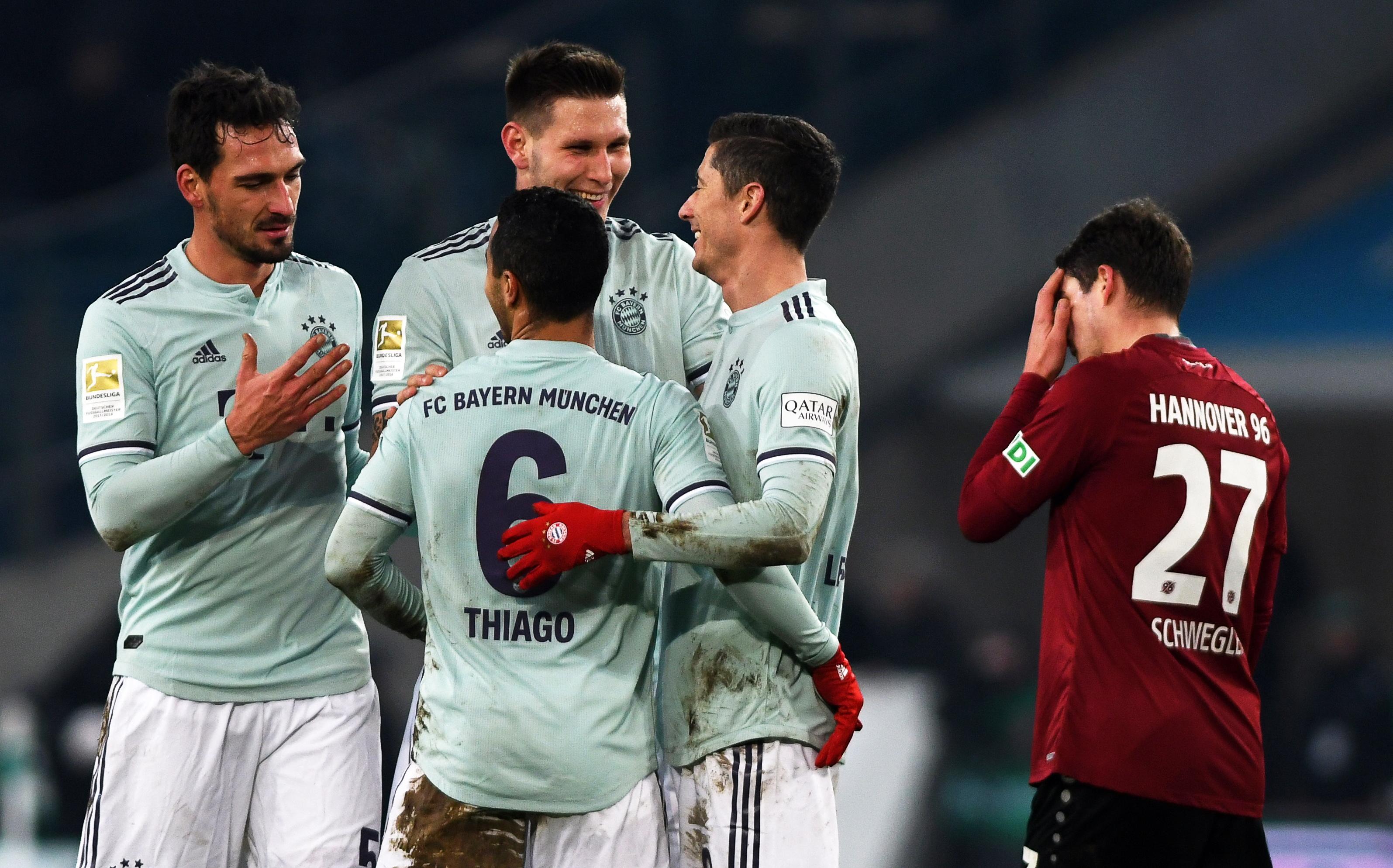 Bayern goleia em Hannover e sobe ao segundo lugar na Alemanha