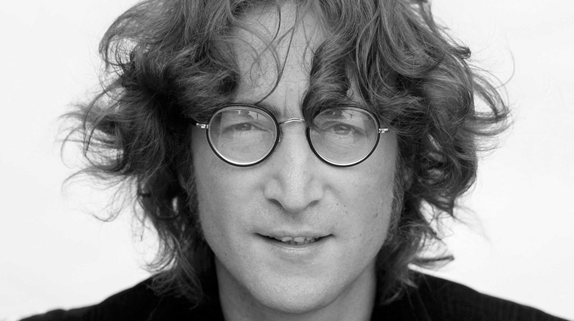 Óculos redondos de John Lennon vendidos em leilão