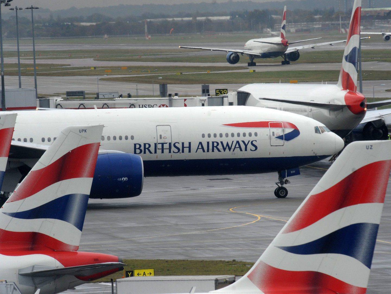Avião da British Airways aterrou na base das Lajes devido a discussão a bordo