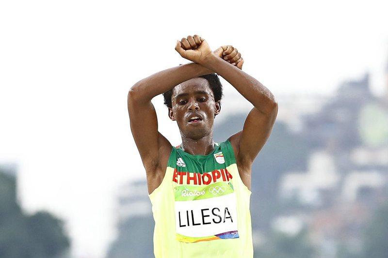 Etíope Feyisa Lilesa já não vai voltar ao seu país