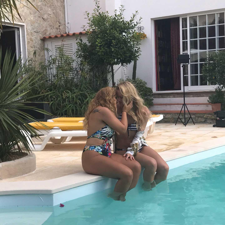 Casa dos Segredos: Carina protagoniza cenas lésbicas em novo videoclipe