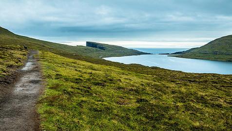 Sørvágsvatn: o misterioso lago das Ilhas Faroe