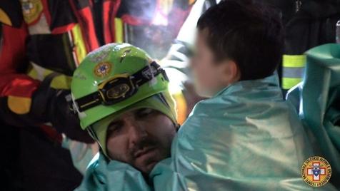 Itália. Encontrados mais sobreviventes nos escombros do Hotel Rigopiano