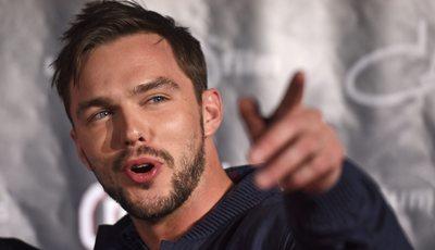 "Nicholas Hoult: ator de ""X-Men"" e ""Mad Max"" de  vem à Comic Con Portugal"