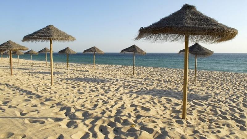 COVID-19: Três das praias mais seguras da Europa são em Portugal