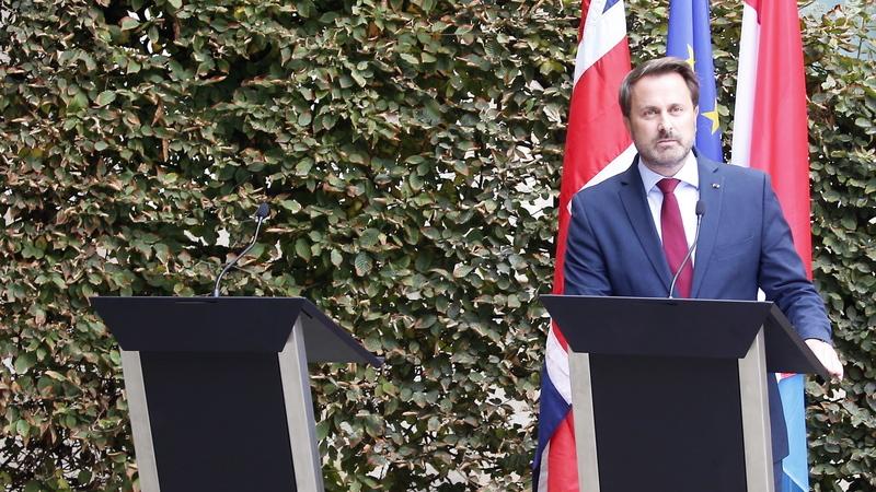 """Imprensa britânica critica primeiro-ministro: O """"homem invisível"""", Johnson """"humilhado"""" e """"Luxemburgo ri-se na cara"""" de Boris"""