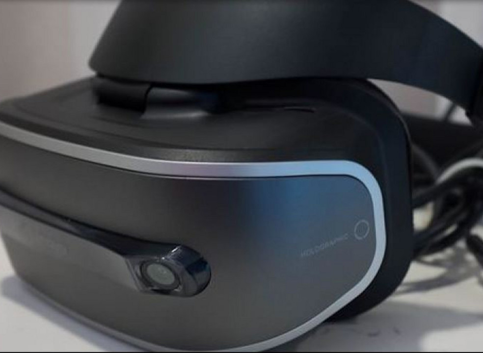 Rivais da Realidade Virtual juntos para criar um cabo único