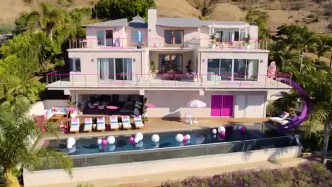 Sabia que há uma casa da Barbie em tamanho real disponível no Airbnb?