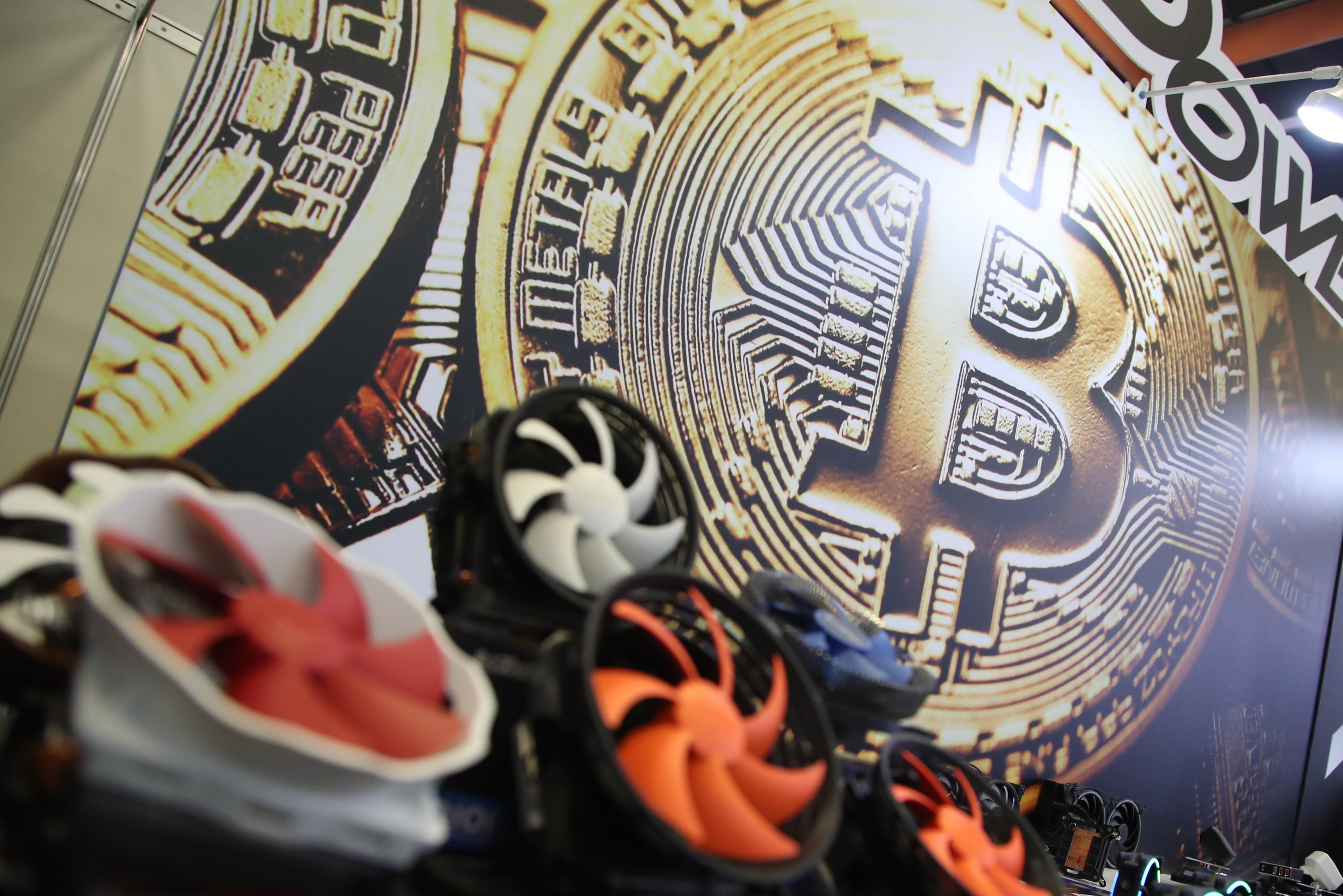 """União Europeia não aceita novas criptomoedas até garantir que não têm """"riscos impossíveis de gerir"""""""