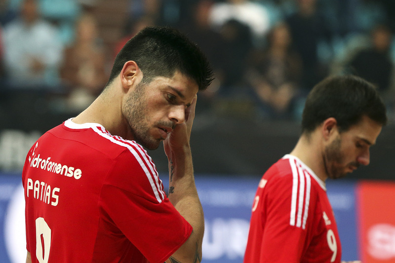 Benfica anuncia saídas de Ré, Patias e Jefferson