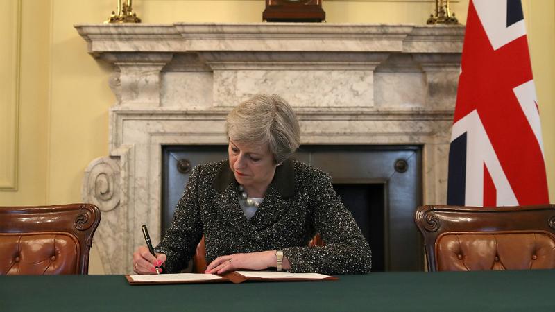 Brexit sem acordo pode provocar demissões em massa no executivo de Theresa May