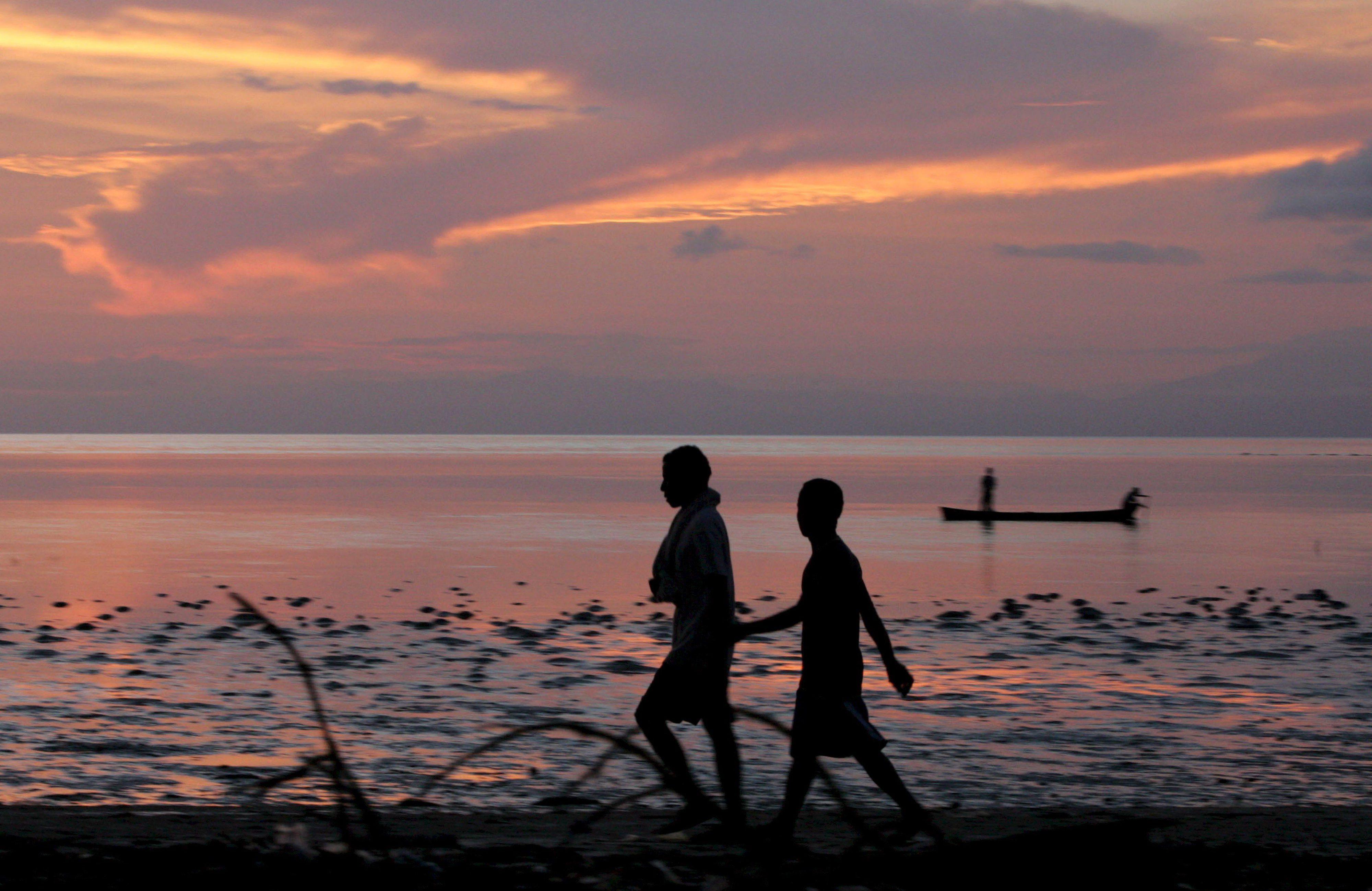 Depois do Facebook, a quizomba. Na luta contra a sida em Timor há uma nova polémica